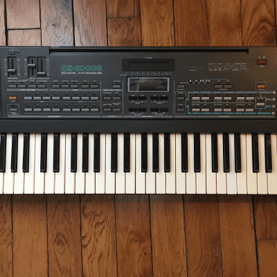 Casio CZ-2000s 61-Key Digital Synthesizer