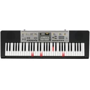 Casio LK-260 61-Key Lighted-Key Portable Keyboard
