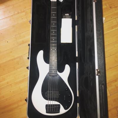 Ernie Ball Music Man Stingray Bass 2016 Pearl white for sale