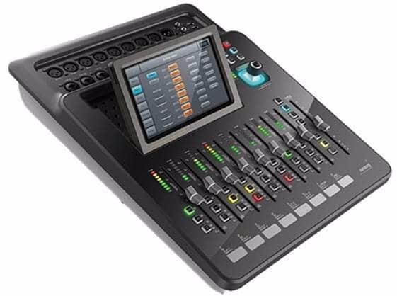 Soundking Dm20 Digital Mixer 20 Channels Motorised Faders