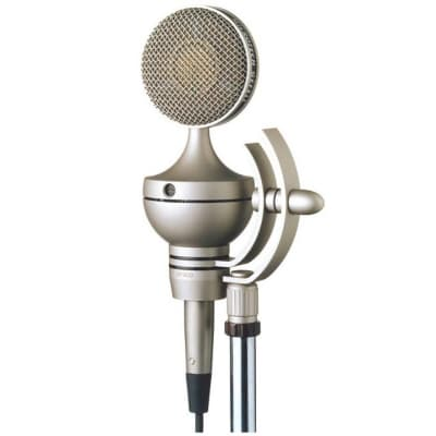 Microtech Gefell UM900 Phantom-Powered Large Diaphragm Multipattern Tube Condenser Microphone