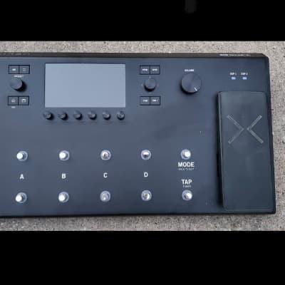 Line 6 Helix LT Multi-Effect and Amp Modeler