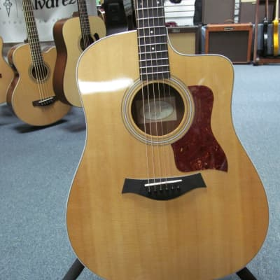 Taylor 2016 210ce Acoustic Electric Guitar with Bag