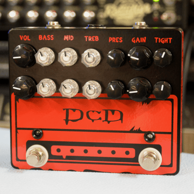 DCD - Dual Channel Distortion - Black Red