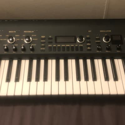 Korg KingKORG Limited Edition 61-Key Analog Modeling Synthesizer