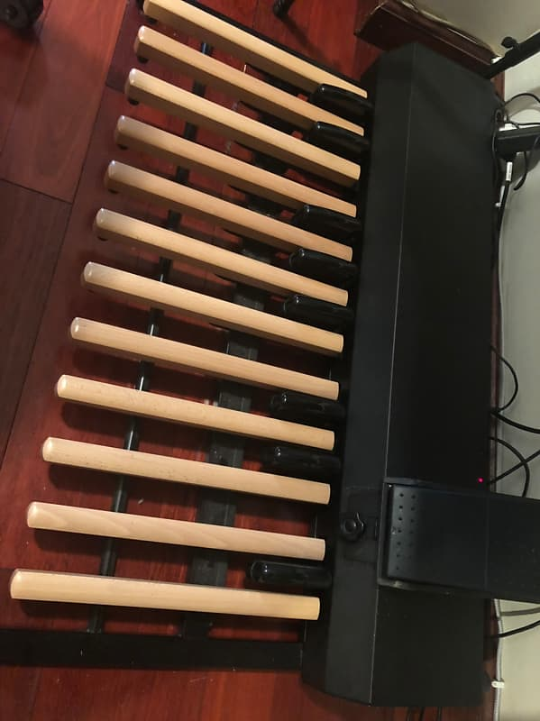 Hammond XPK 200 L midi organ bass pedal | Ondre