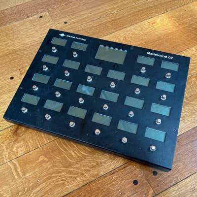 RJM Mastermind GT/22 MIDI Foot Controller