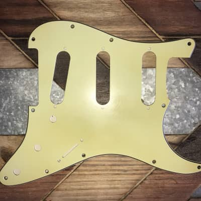 Real Life Relics Strat Stratocaster Pickguard 3 ply 11 hole SSS Mint Green Aged