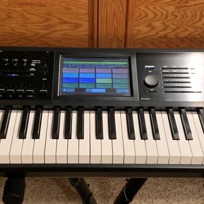 Korg KRONOS 2 88-Key Digital Synthesizer Workstation