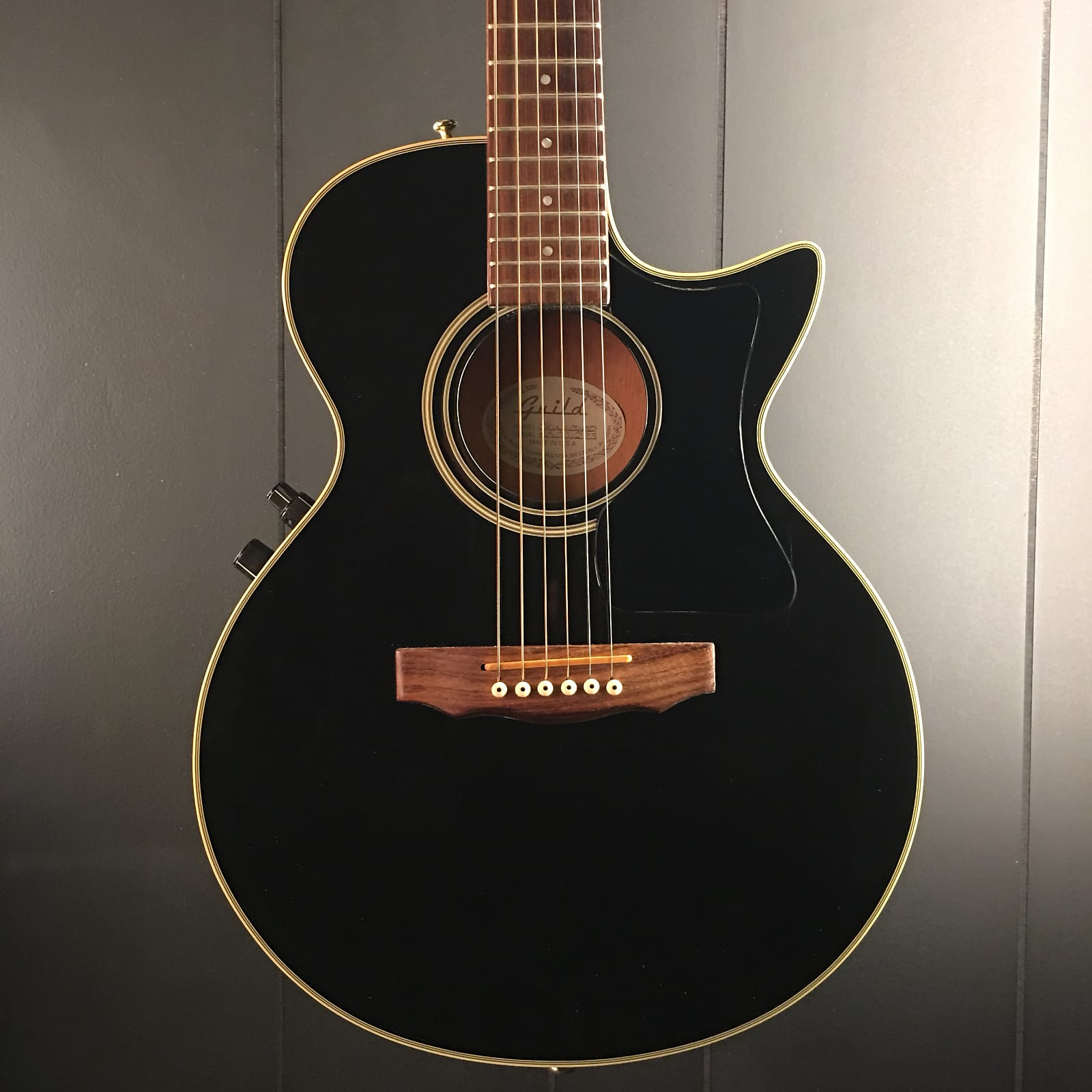 guild songbird acoustic electric guitar 1990 made in usa free shipping. Black Bedroom Furniture Sets. Home Design Ideas