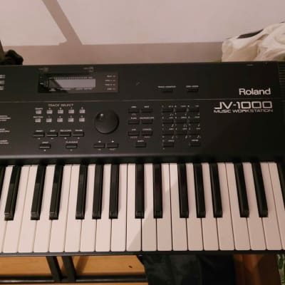 Roland JV 1000 Music workstation