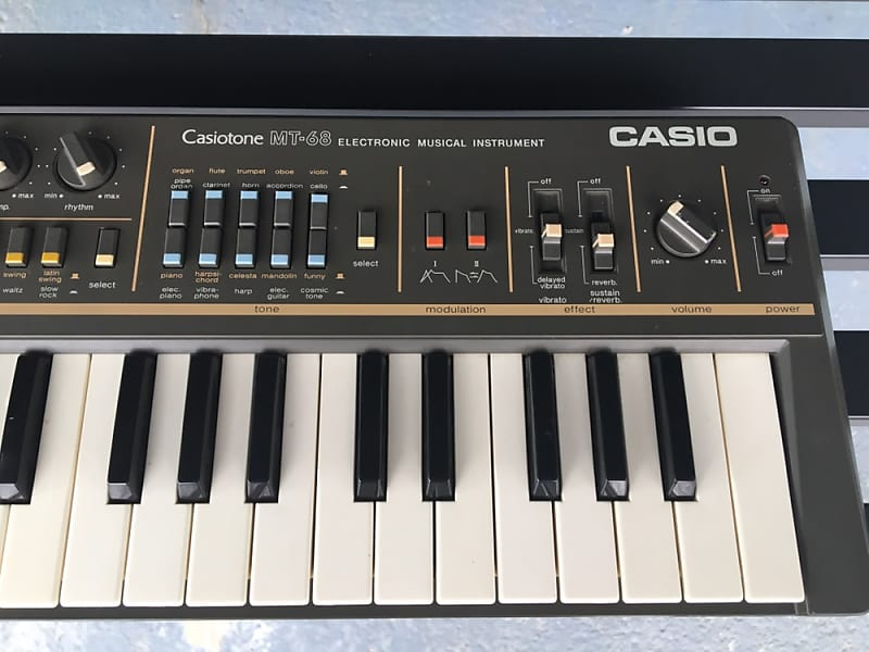 casio Casiotone MT-68 Keyboard Synth 1983 Black silver and white