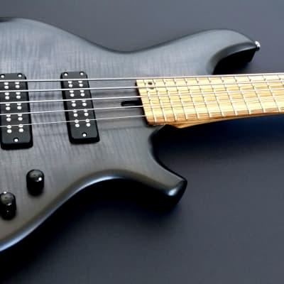 Legg Revo - 5 Strings - Maple Neck for sale