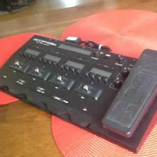 Zoom G5n Guitar Multi-Effects Processor w/ Gator Case