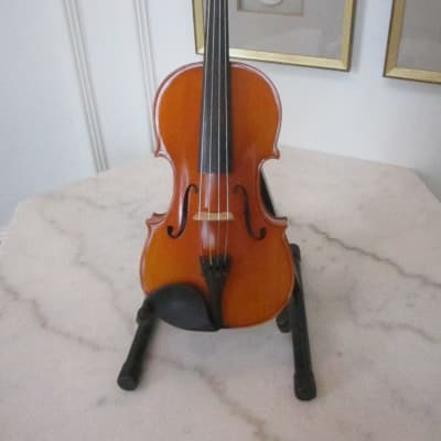 Beautiful Sounding Student Viola in Excellent Condition