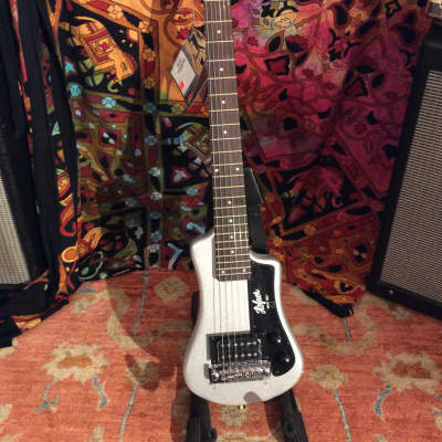 Hofner CT Series HCT-SH-SS Shorty Travel Guitar Silver Sparkle