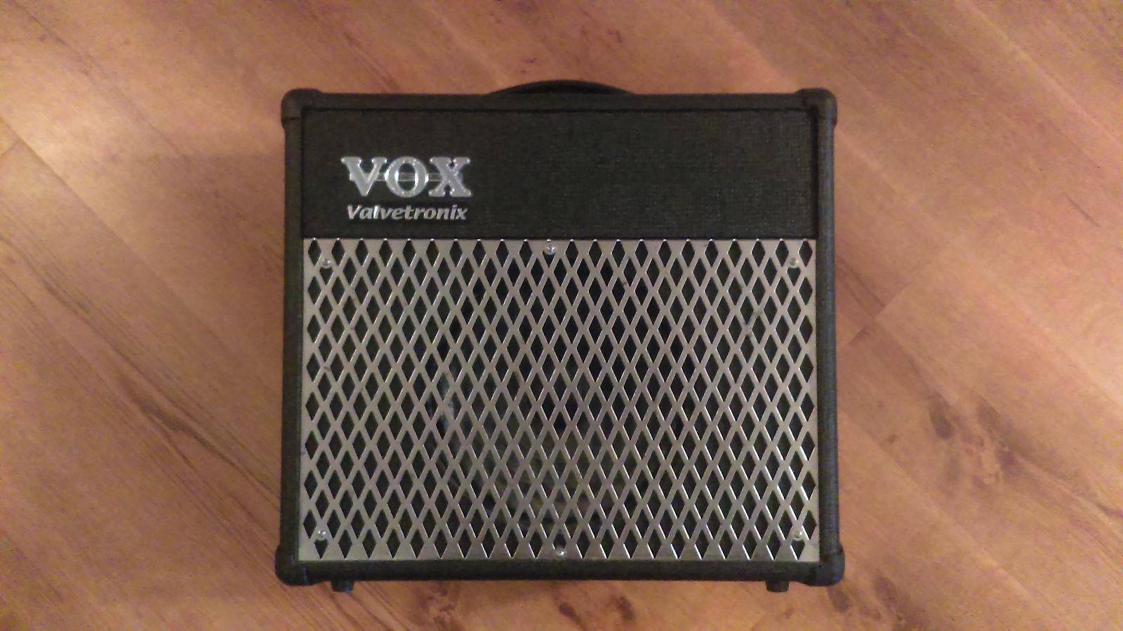 vox valvetronix ad15vt 15 watt 1x8 modeling guitar reverb. Black Bedroom Furniture Sets. Home Design Ideas