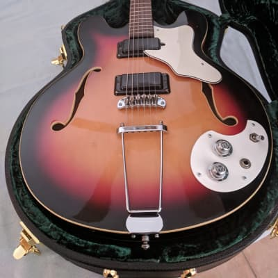 MOSRITE CELEBRITY III 1966 / 1967 SUNBURST for sale