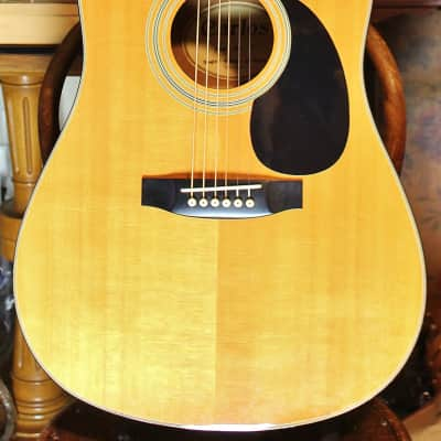 Carlos  VINTAGE CARLOS 438 GUITAR W/ NEW STRINGS for sale