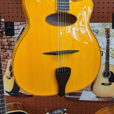 Benedetto Gypsy Elite Honey Blonde #S1773 w/OHSC Used Guitar for sale