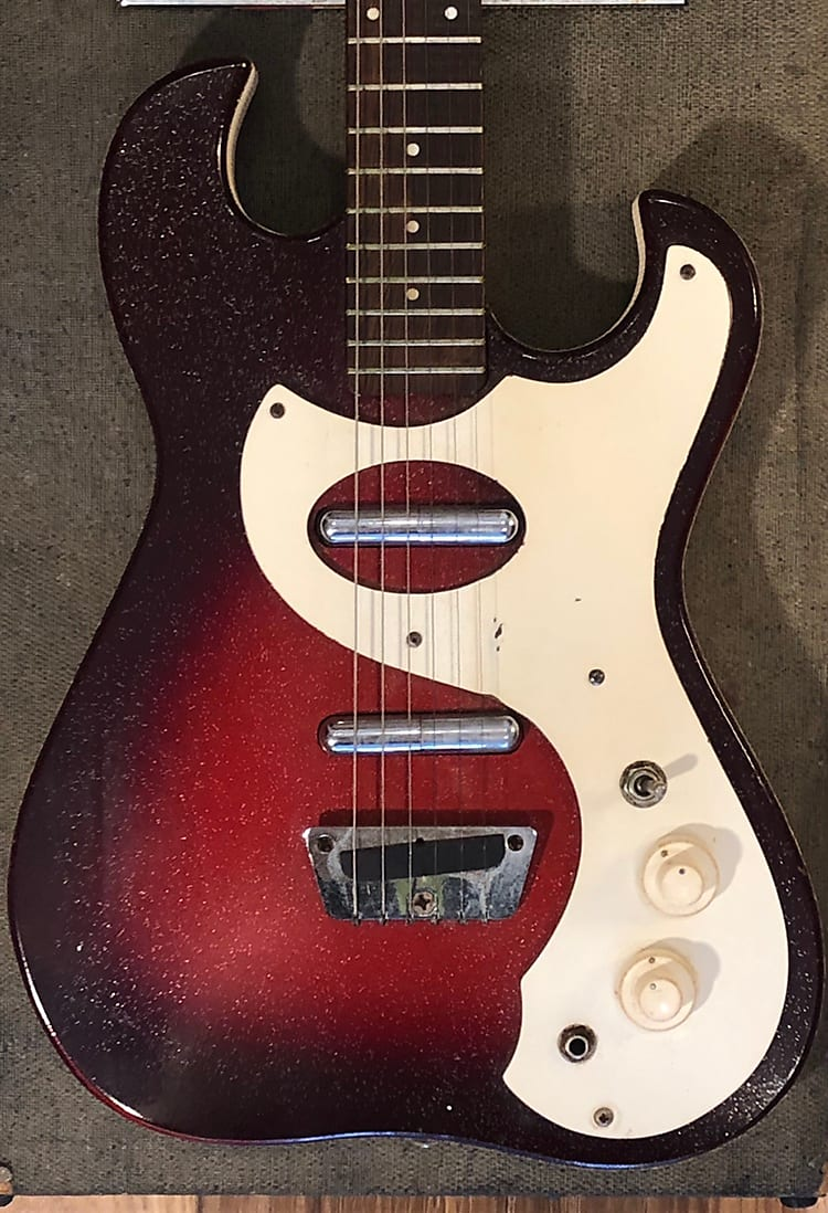 Silvertone 1457 Guitar  with Case Amp Red Burst 1960s