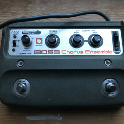 Vintage rare 1970s Roland Boss CE1 CE 1 Chorus Ensemble guitar pedal