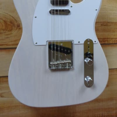 New Fender® Jimmy Page Mirror Telecaster® Rosewood Fingerboard White Blonde w/Case