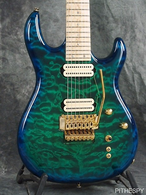 Carvin dc c string quilted maple floyd rose deep reverb