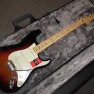 <p>Fender Fender American Professional Stratocaster Maple Fingerboard W/Case 2017 3 Color Sunburst</p>  for sale