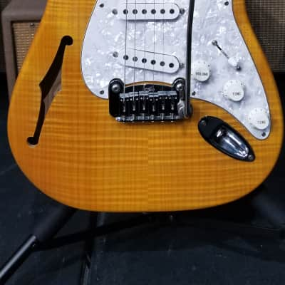 G&L Legacy Semi-Hollow Flame Top