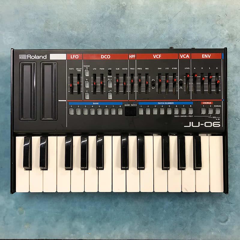 Roland Boutique Series JU-06 Synthesizer Module w/ K-25M Keyboard