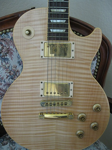 les-paul-blonde-beauty