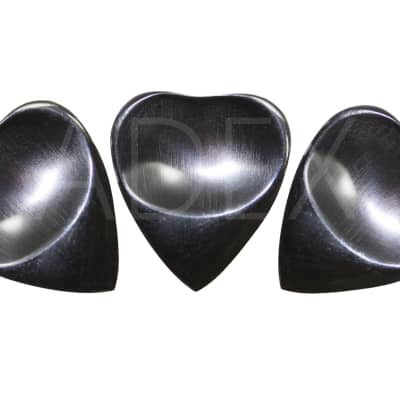 Horn heart shape sculpted guitar picks plectrum acoustic picks exotic pack of 3