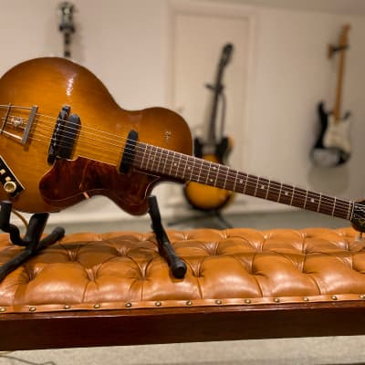 Hofner Club 50. 1960 Serial No 1634. Brunette. Outstanding Condition