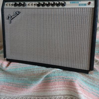 "Fender Vibrolux Reverb 2-Channel 35-Watt 2x10"" Guitar Combo 1970 - 1980"