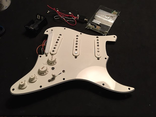 Pickups & Electronics from a Fender/Roland VG Stratocaster 2008 Complete on