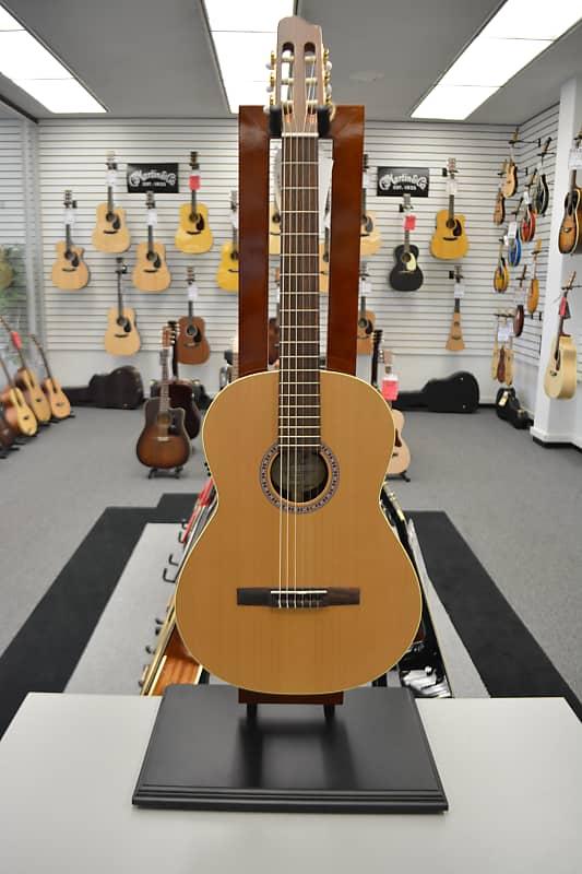 La Patrie Presentation QIT Acoustic Guitar