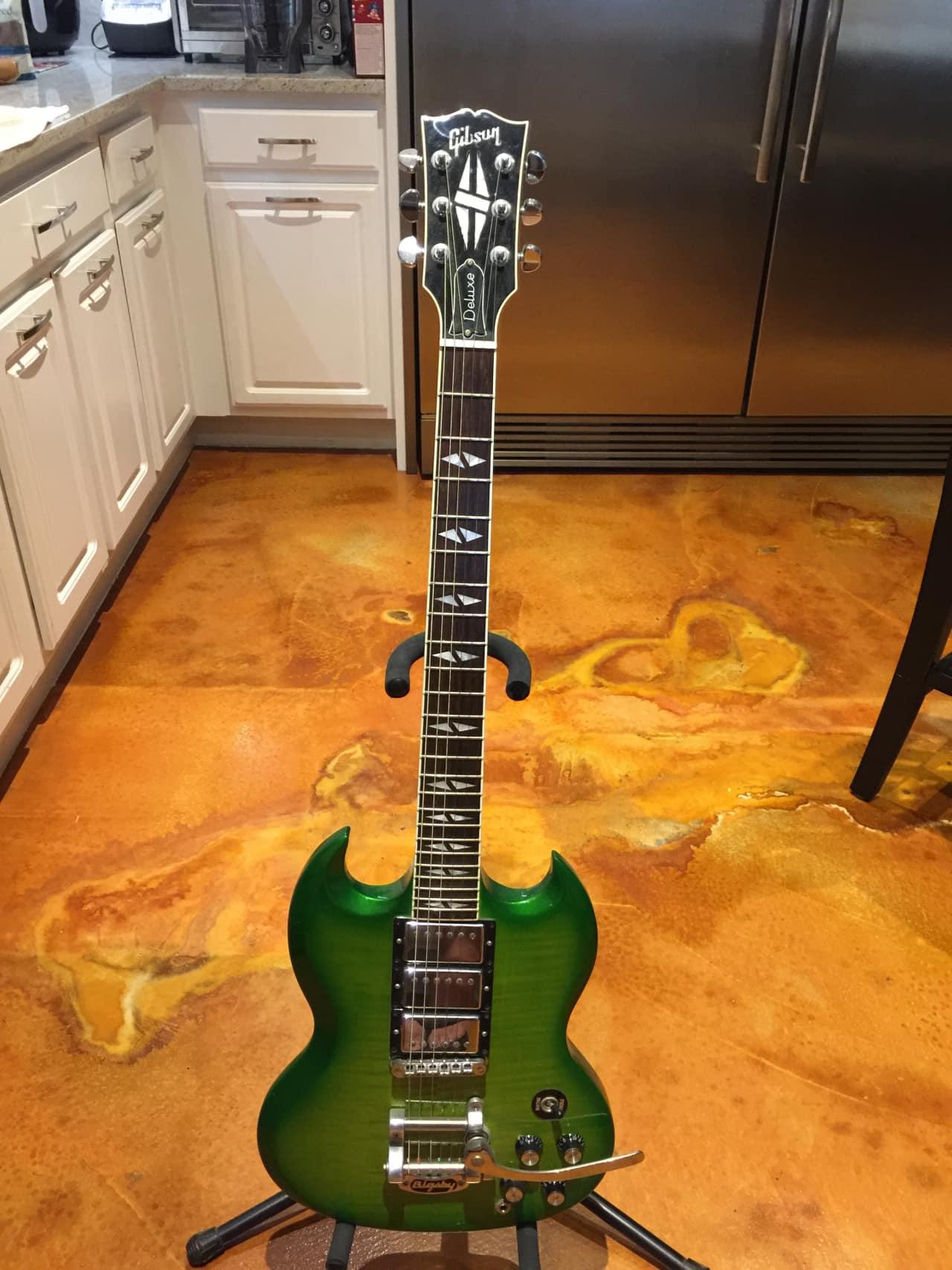 Gibson SG custom deluxe 2013 Lime Burst | Steve's Shop ...