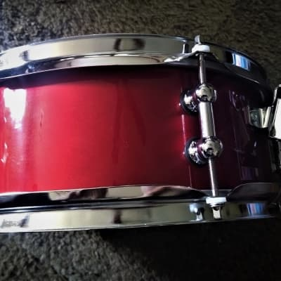 """MARTIAL PERCUSSION Custom Snare with """"Insta-Drop Straining System™"""" CAR Metallic Lacquer"""