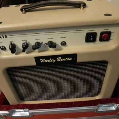 Harley Benton  GA-15 Cream Tolex Combo Amplifier 10