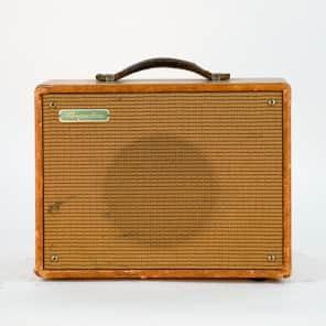 "Magnatone Starlet Model 107 5-Watt 1x8"" Guitar Combo"
