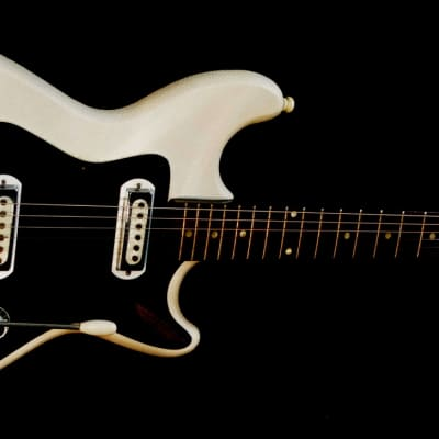 """KLIRA Triumphator"""" 1964 White Vinyl. MADE IN GERMANY. Great playing guitar.  OHSC. for sale"""