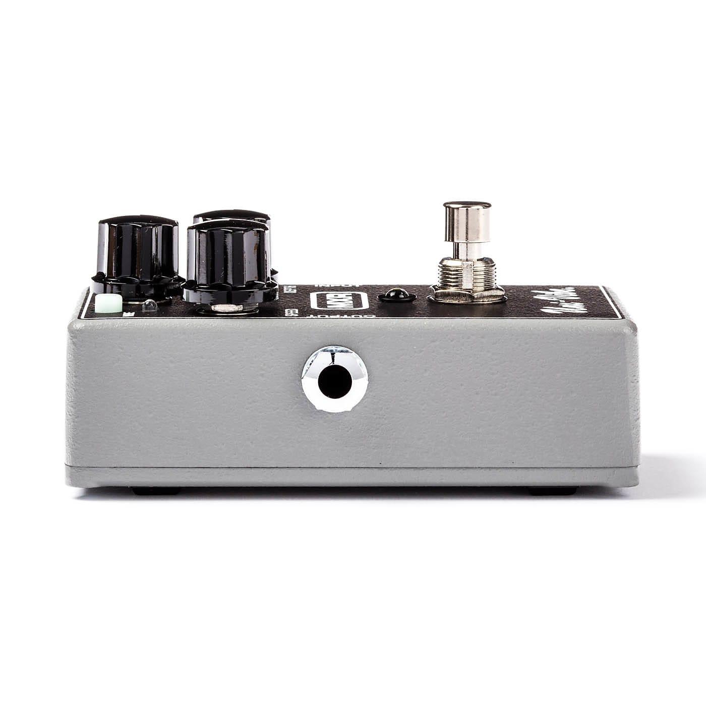 MXR M68 Uni-Vibe Chorus / Vibrato Effects Pedal