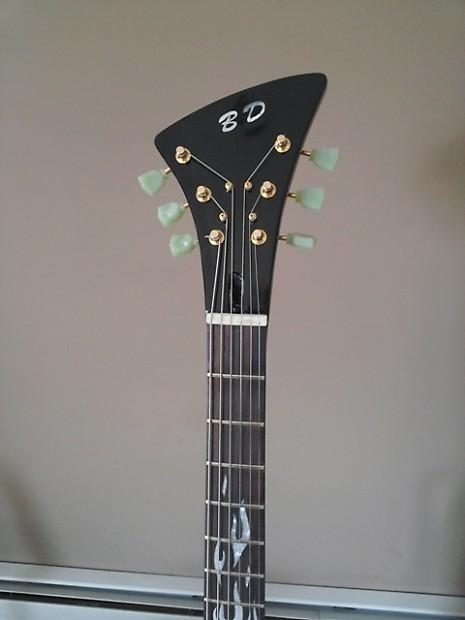 Modern moderne guitar w case by black diamond usa reverb for Case moderne