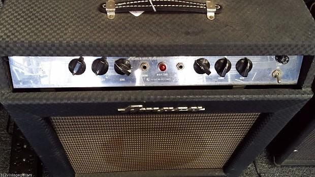 1960 39 s ampeg reverberocket 2 1x12 electric guitar reverb. Black Bedroom Furniture Sets. Home Design Ideas
