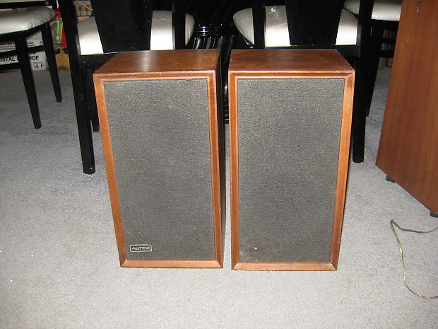 Vintage Altec 887a Capri 2 way bookshelf speakers