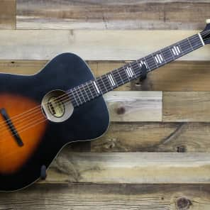 Recording King ROH-07 Dirty 30's Solid Top Harmonella 000 Matte Vintage Sunburst