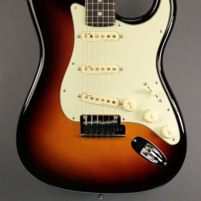 USED Fender American Ultra Stratocaster (139)