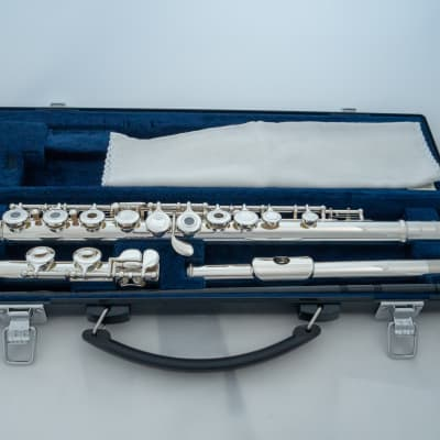 Yamaha YFL-261 Silver-plated Open-Hole Intermediate Flute *Cleaned & Serviced