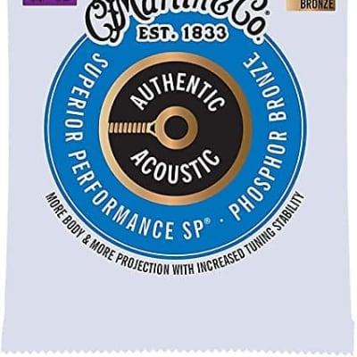 Martin Authentic Acoustic Superior Performance Guitar Strings - 92/8 Phosphor Bronze Custom Light